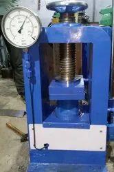 Analog Compression Testing Machine Hand Operated, Masta, Capacity: 1000 Kn