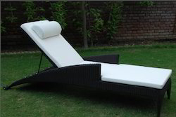 Luxury Poolside Rattan Sun Lounge