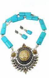 SPJ002 Torqouise Beads Embedded Oxidised Pendant