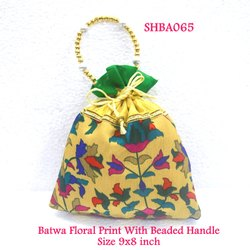 Batwa Floral Print with Beaded Handle