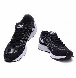 low priced 19a7c fd80b Nike Zoom Pegasus 32 Black Running