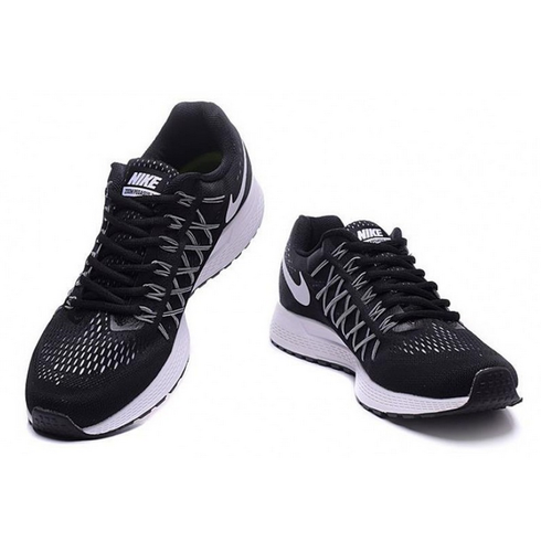 low priced 8bea1 080da Nike Zoom Pegasus 32 Black Running