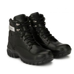 5a37be9eb0260 PVC High ankle Steel Toe Safety Shoes