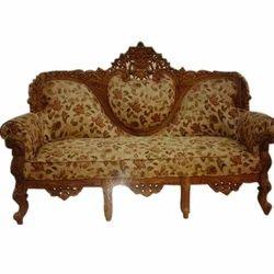 Good Royal Wooden Carved Sofa