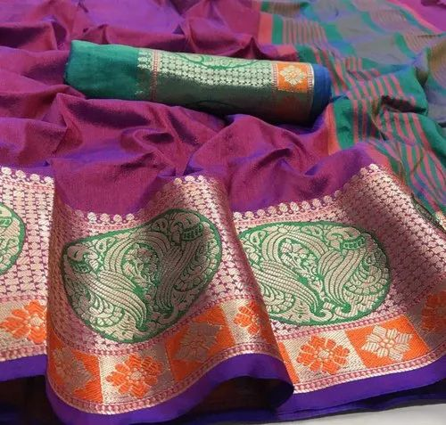 Dola Silk a Chit Pallu Saree Enriched With Soft Fabric  And Jacquard Border
