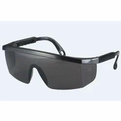 local Polycarbonate Safety Eyewear, Frame Type: Plastic