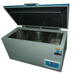 Vaccine Ice Lined Refrigerator, Model No.: mtbbr, Size: 340 L