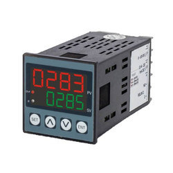 UTC-4203 Temperature Controller with Relay Output