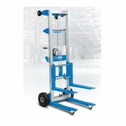 Terex ST-25 650 lbs Genie Superlift Advantage Material Lifts