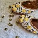 Genuine Soft Leather And Comfortable Office Ladies Juttis/ Ethnic Flat Shoes
