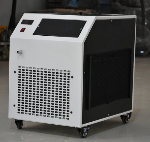 Ral9010, Ral7035 1PH / 3PH Air Cooled Water Chiller, 230v/ 415v, Size/Dimension: Large