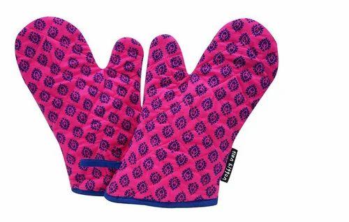 Wobbly Walk Microwave Gloves 2 Pieces Purple