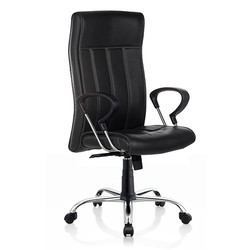 New Scroll Executive Leatherette Chair