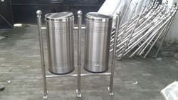 Hanging Double Pole Bin