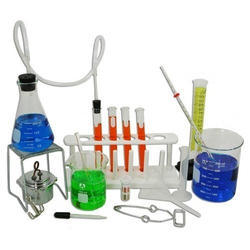 Transparent Borosilicate Glass Chemistry Lab Equipments, Packaging Type: Box