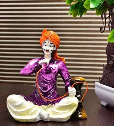 Karigaari India Handcrafted Man Drinking Hukka Polyresin Idol, Packaging Type: Box