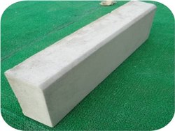 900x250x150mm Kerb Stone