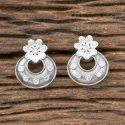 White Black Plated Designer Short Earring 406980