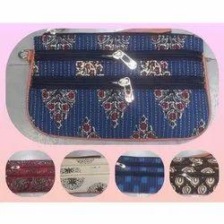Printed Multicolor Zip Closer Ladies Clutch, Packaging Type: Loose Packing
