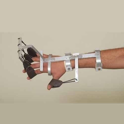 Cock Up Splint Dynamic With Finger Extension