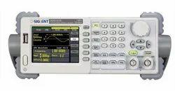 Siglent SDG1010 2CH 10MHz Waveform Generator