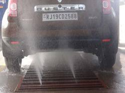 Under Chassis Wash for Four Wheeler Car
