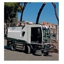 Manmachine Cleango 500 Compact Sweeper Machine
