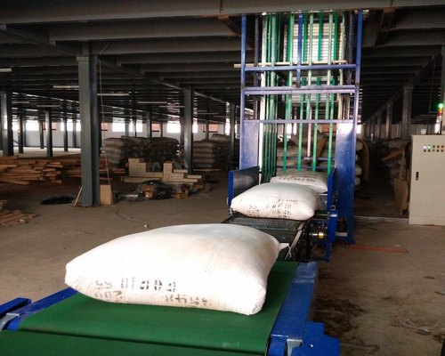 Mild Steel Conveyors Fabrication Services, Capacity: 100-150 kg per feet