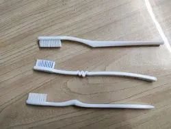 Plastic White Tooth Brush, Packaging Size: 2000 Pc