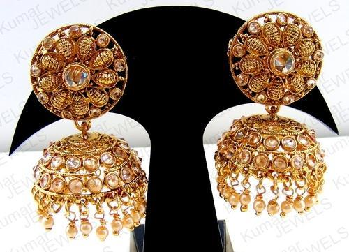 in pair beautiful of earrings princess jewellery gold engagement diamond a white cut