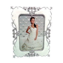 Silver Look Designer Photo Frame Decorative Gift Item