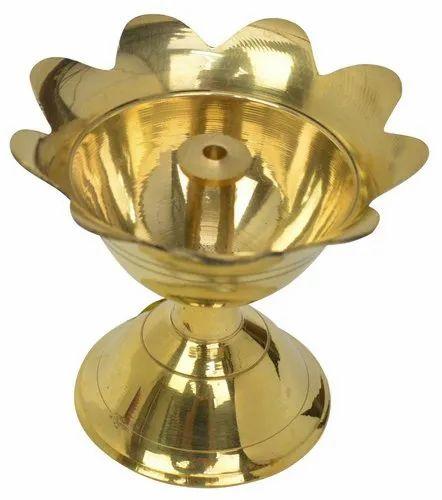 Brass oil lamp, For Religious, 7.5