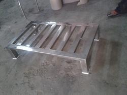 Matt/ Mirror SS Pallet, Dimension/size: Custom Made