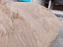 Light Brown River Sand, For Construction Purpose, Packaging Size: 600 Foot Truck (hyva)