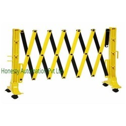 Expandable Traffic Barrier