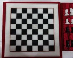 Black & White Modern Style Chess Set