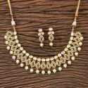 Wedding Wear Kundan Classic Necklace With Gold Plating 300361