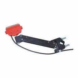 Galvanized Iron RED DSL Current Collector, For Eot Crane, Size: Standard