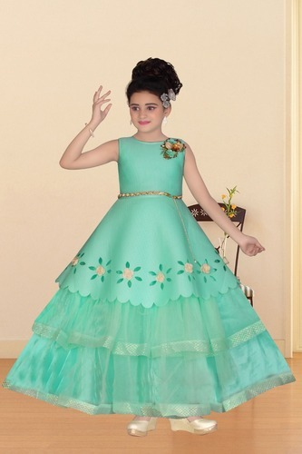 Latest Wedding Gown at Rs 695 /pc_onwards | Kids Gown | ID: 11024323448