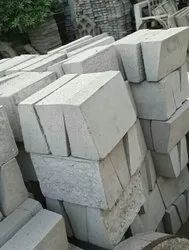 Outdoor Gray Kansal Kerb Stones 300x200mm, For Pavement, 15