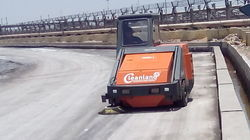 Ride On Floor Sweeping Machine For Ports
