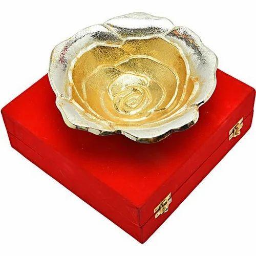 Gold And Silver Brass Memorial Gift, Packaging Type: Red Velvet Box