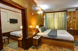 Deluxe Family Suite Room Rental Services