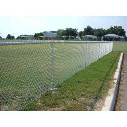 Mesh Galvanized Iron Chain Link Fencing Wire, Size: 4-5 Feet