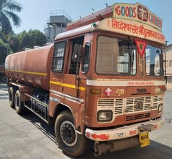 sunrise Used Water Tanker, Storage Capacity: 2000L, Model Name/Number: 2012