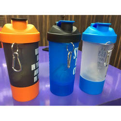 Juice Shaker Flip Top Plastic Bottle, Capacity: 1 Litre