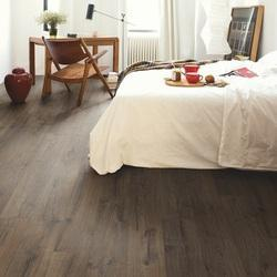 Quickstep Classic oak brown Laminate Flooring