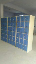 Wood Worth Metal Locker Almirah, for Office