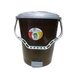 Black Plastic Garbage Dustbin for Home