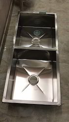 Silver Shine Stainless Steel Hand Made Sink, Size ( Dimension): 45 X 20 X 10Inch